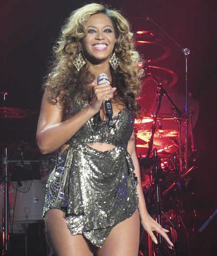 Beyonce Performs @ RoseLand Ballroom